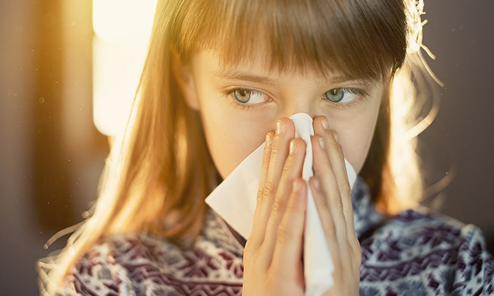 Pollen Attack: 5 Ways to Survive Seasonal Allergies