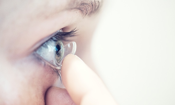 Contact Lenses: A First-Time Wearer's Guide